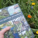 Den spiselige permahave bog i haven